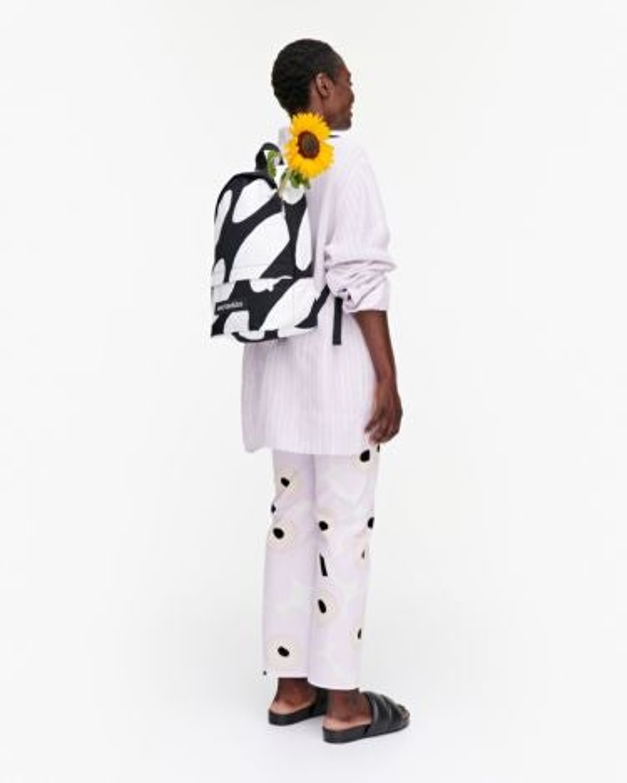 marimekko Hiljaa Linssi backpack black, white