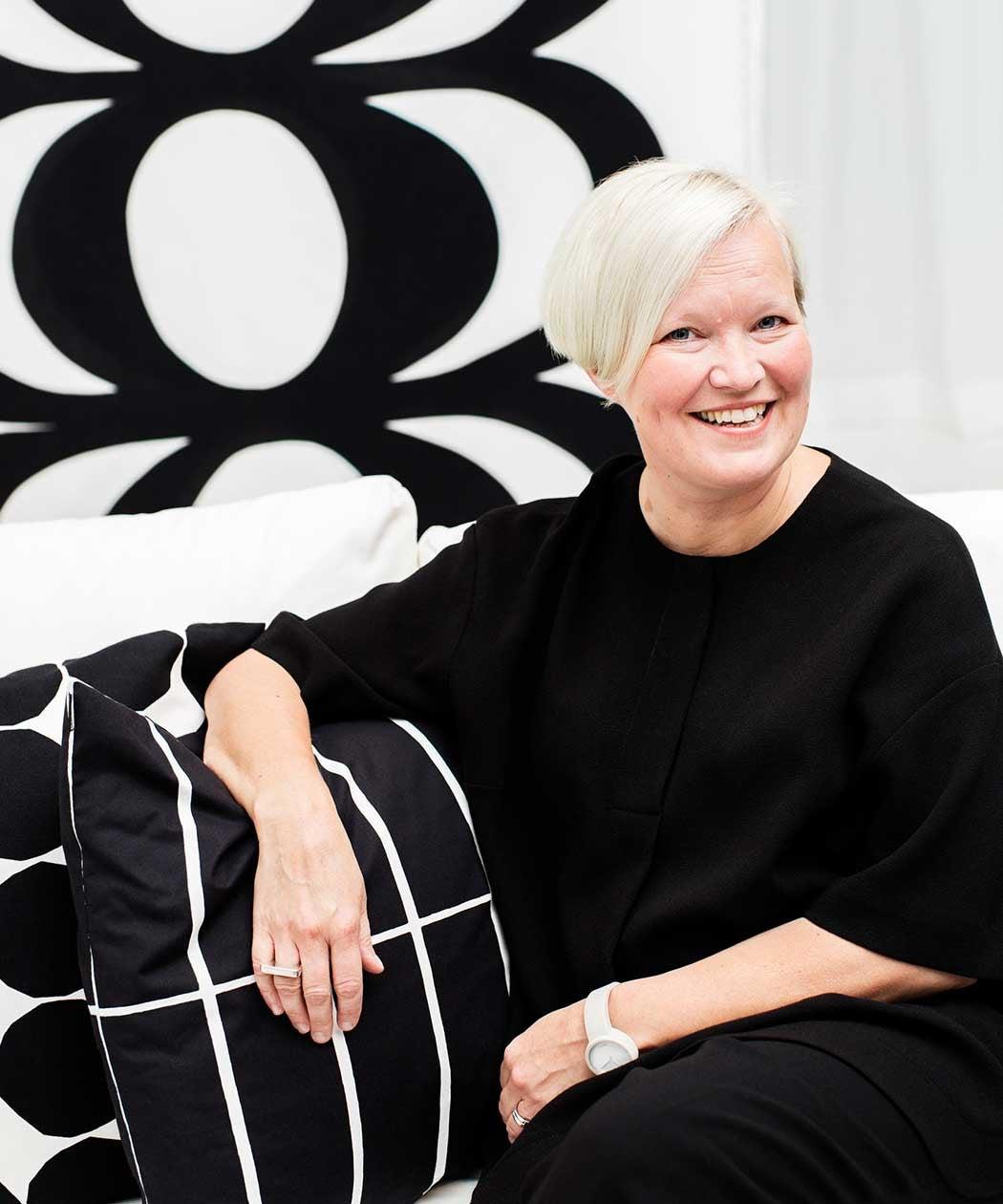 Kuviosuunnittelu- ja tuotekehitysjohtaja Minna Kemell-Kutvonen