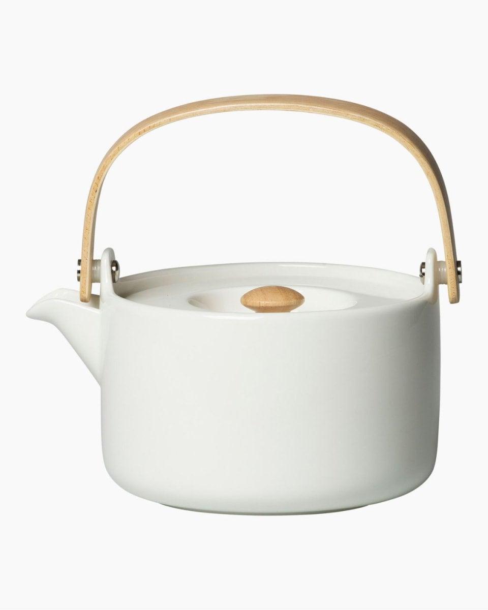 Marimekko Oiva teapot is designed by Sami Ruotsalainen